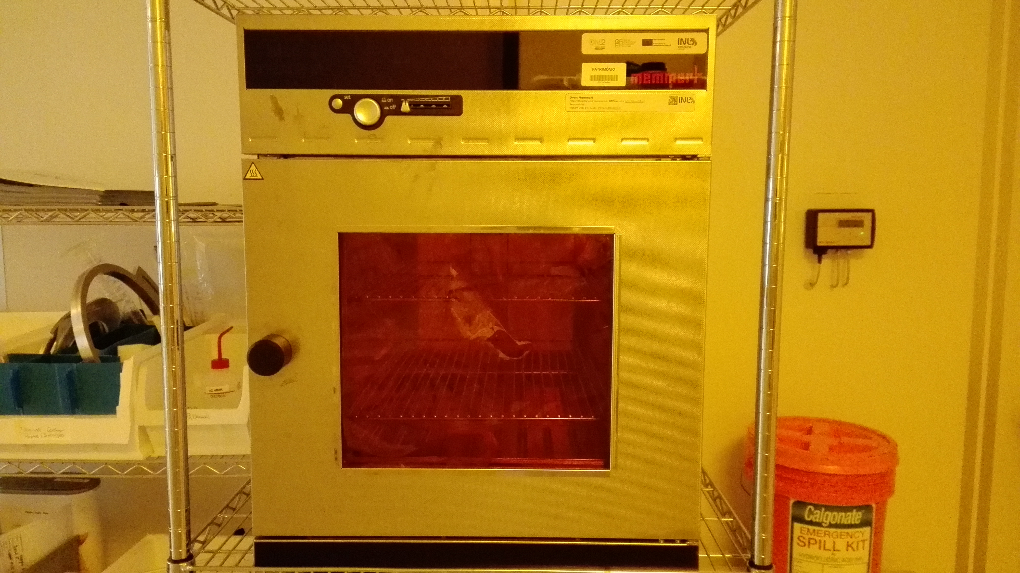 Picture of Oven Memmert