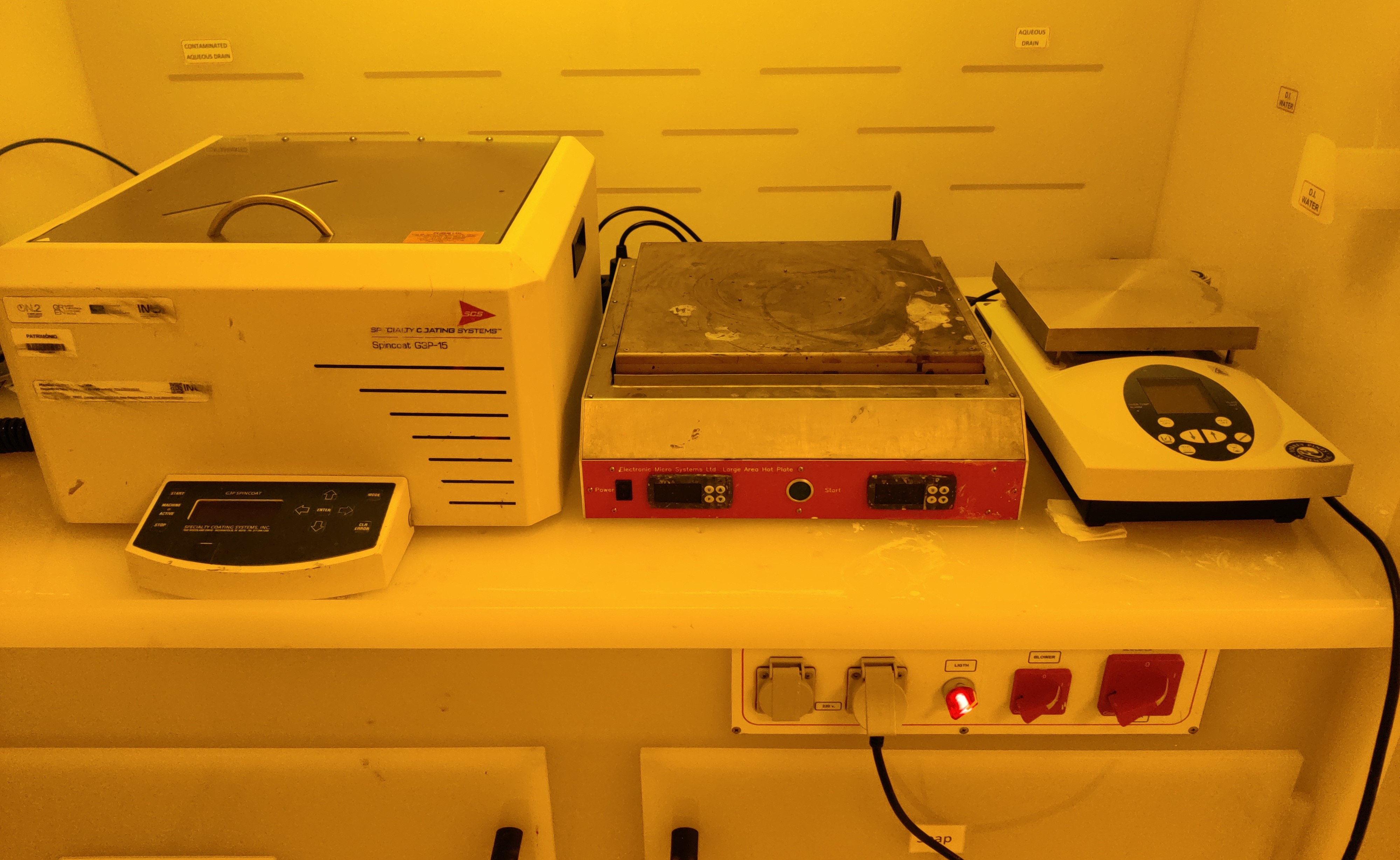 Picture of MNF_Manual Coater 200mm + Hotplate + FH